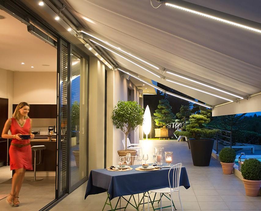 select-light-terrassemarkise-fasadeprodukter-lys-markise-hage-fra-fasadeprodukter-a