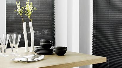 Plissegardiner - Innvendig solskjerming fra Fasadeprodukter Ingress